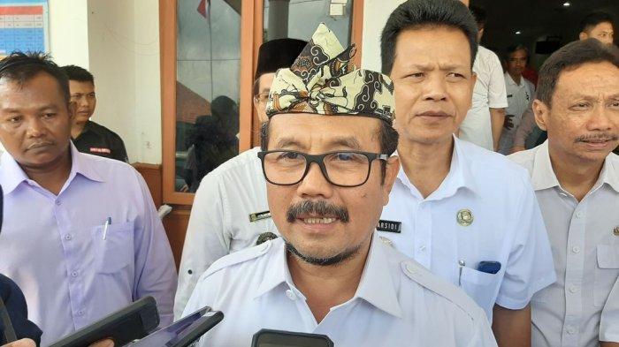 Bupati Cirebon Imbau Para Kuwu Gunakan Bantuan Anggaran Desa Dengan Tepat Sasaran