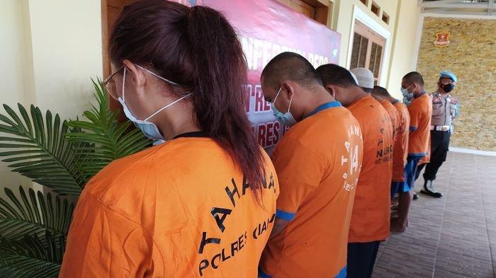 Pengakuan IRT Cantik Bertato dan Beranak 4 yang Nekat Jadi Pengedar Sabu-sabu di Cianjur