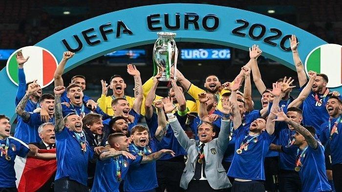 Italia Juara Euro 2020, Penantian 53 Tahun Gli Azzurri Terbayar, Roberto Mancini Menangis Bahagia