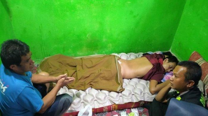 Peluang Sembuh Remaja di Indramayu yang Lumpuh Tergolong Kecil, Tapi Tergantung Pengobatan Dokter