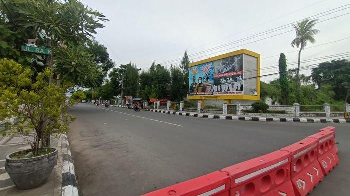 Ruas Jalan di Pusat Kota Indramayu Mendadak Sepi Hari Ini, Toko-toko Tutup Hingga Jalanan Lengang