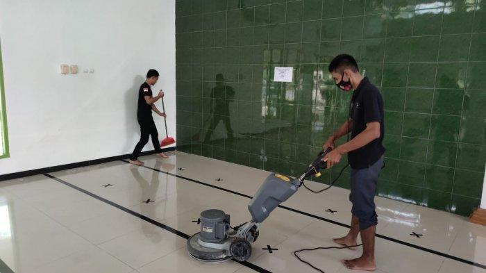 Jelang Ramadan, PHRI, IHGMA, dan ACT Bersih-bersih 7 Masjid di Cirebon
