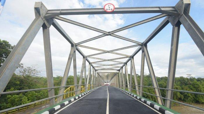 Ridwan Kamil Resmikan Jembatan Cibuni, Hubungkan Sukabumi dengan Cianjur, Minta Ada Tempat Selfie