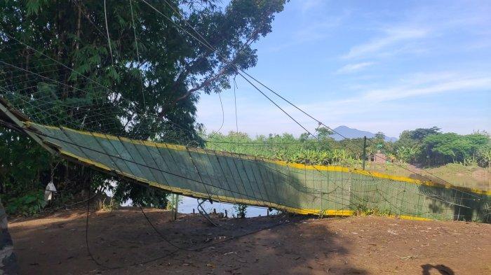 Jembatan Majalengka-Sumedang Terputus, Perekonomian Terhambat, Warga Terpaksa Tempuh Jalan 20 KM