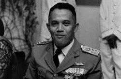 KISAH AH Nasution, Sosok yang Pernah Pecat Soeharto, Kariernya Malah Redup Saat Soeharto Berjaya