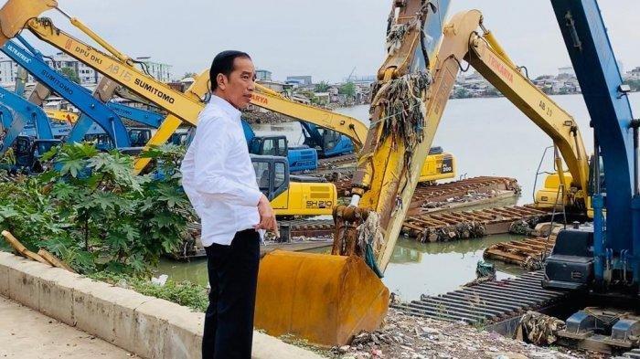 Jakarta Banjir, Presiden Jokowi Mendadak Tinjau Waduk Pluit Selama 20 Menit, Lakukan Hal Ini
