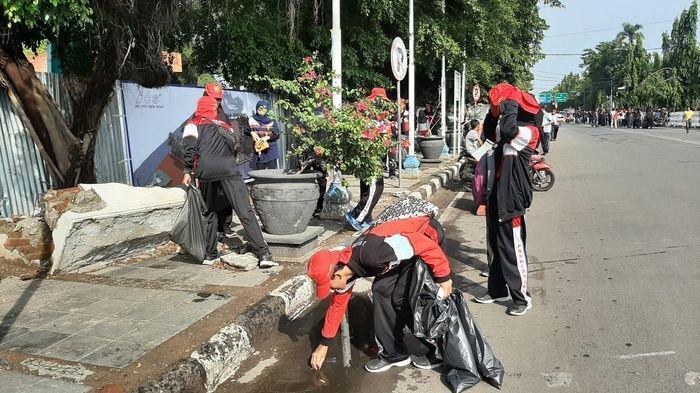 Pemerintah Kota Cirebon Gelar Jumsih, Bersih-Bersih Di Sekitar Balai Kota Cirebon dan Sekitarnya