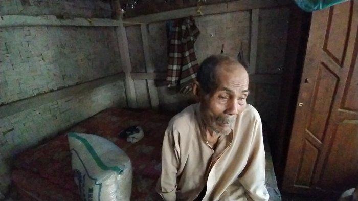 KISAH Kakek Asik yang Sakit Katarak, Tinggal di Gubuk, Sering Difoto Tapi Tak Pernah Dapat Bantuan