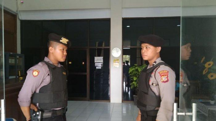 BREAKING NEWS KPK Geledah Kantor PUPR Indramayu, Terkait Kasus Korupsi Bupati Supendi