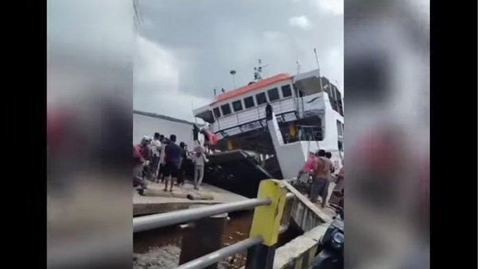 Kapal Feri Terbalik di Sambas, Penumpang Menjerit dan Kumandangkan Takbir, Beruntung Semua Selamat