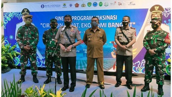 Ini yang Dikatakan Kapolda Jabar Soal Masyarakat Kota Cirebon di Acara Vaksinasi Massal