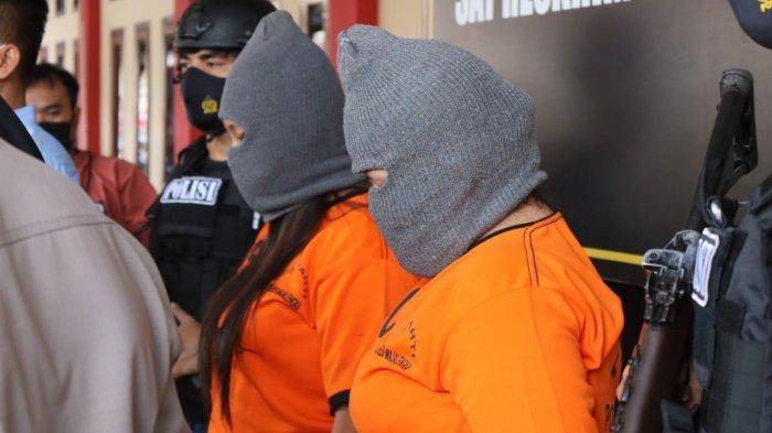 Dua Cewek Muda Diciduk Polisi, 1 Cewek PSK Online, Menawarkan Diri ke Pria Hidung Belang via MiChat