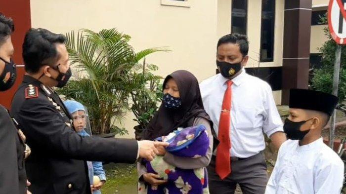 Kisah Pilu Arul 'Ajudan Cilik Kapolres Tasikmalaya', Dipertemukan dengan Ibunya, Dulu Diusir Warga