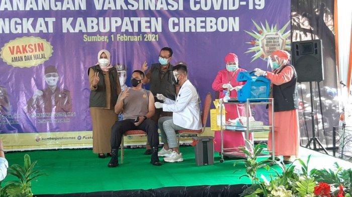 Divaksin Covid-19, Ketua DPRD Cirebon Mengaku Tak Merasa Sakit Apapun, 'Seperti Digigit Semut Biasa'