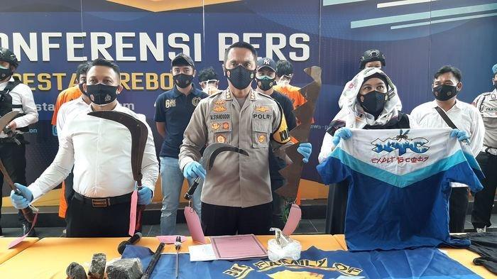 Anggota Geng Motor yang Aniaya Korban pakai Gergaji Besar Diringkus Polisi, Ini Penampakan Buktinya