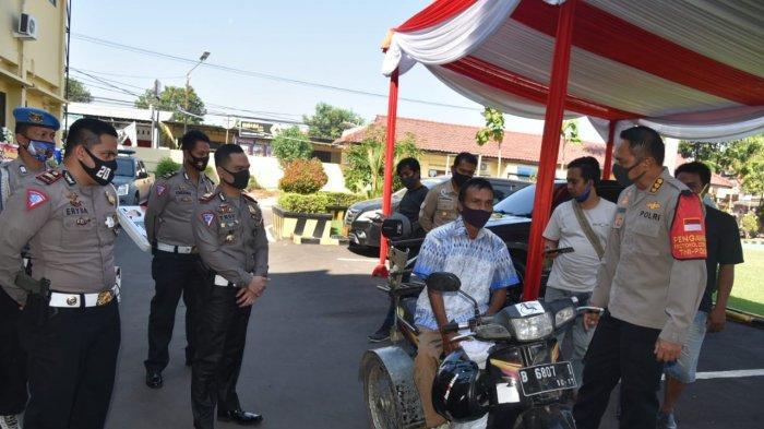 13 Penyandang Difabel Dapat SIM D Gratis dari Polresta Cirebon