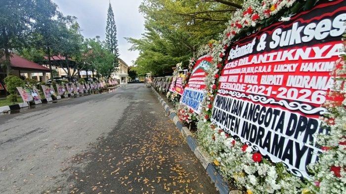 Nina Agustina-Lucky Hakim Sah Jadi Bupati & Wakil Bupati Indramayu, Pendopo Banjir Karangan Bunga