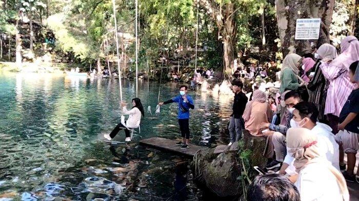 Libur Waisak, Situ Cicerem Kuningan Dikunjungi Banyak Wisatawan, Lahan Warga Jadi Tempat Parkir
