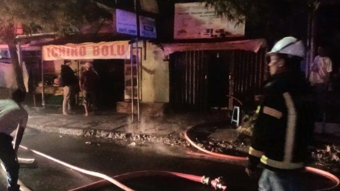 Toko Foto Copy di Jalan DI Panjaitan Indramayu Kebakaran Hebat, Kerugian Mencapai Rp 100 Juta