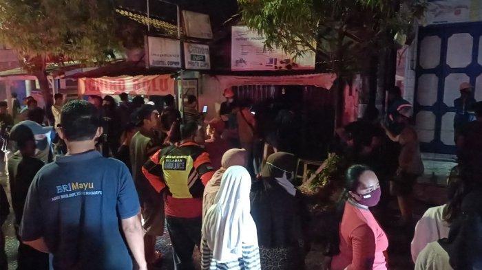Kebakaran di toko foto copy di Jalan DI Panjaitan Indramayu, Selasa (28/9/2021) malam