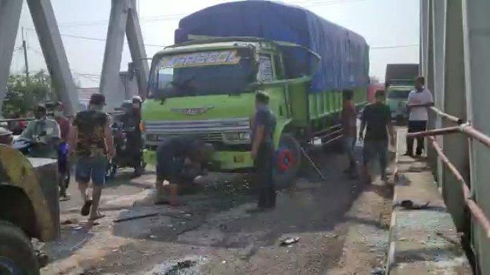 Kecelakaan di Jalur Pantura Indramayu, Tiga Kendaraan Besar Terlibat Tabrakan Beruntun