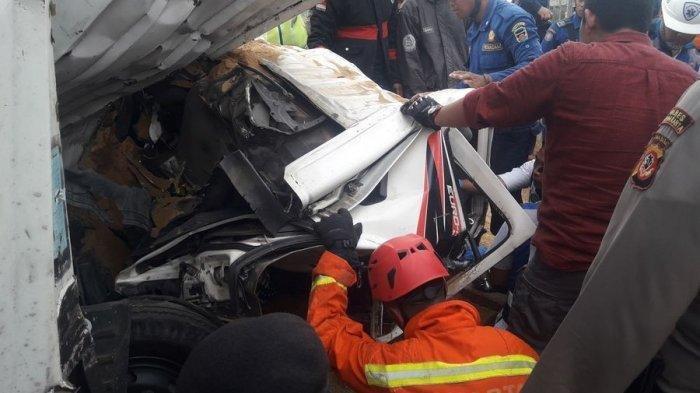 BREAKING NEWS - TERUNGKAP, Identitas 4 Jenazah Terbakar Korban Kecelakaan di Tol Cipularang