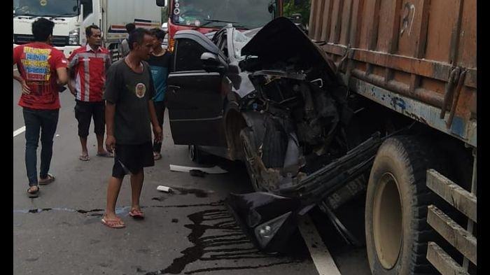 Warga Jakarta dan Yogyakarta Jadi Korban Kecelakaan Minibus Vs Truk Tronton di Tol Cipularang