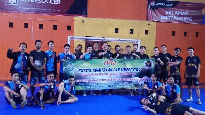 Jalin Silaturahmi, PWI Majalengka Gandeng Kejari Majalengka Gelar Pertandingan Futsal