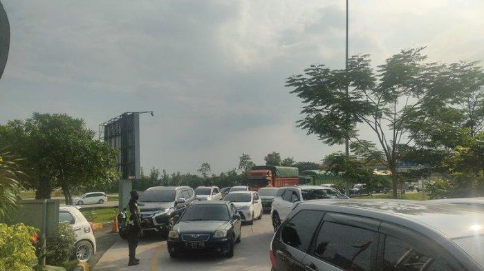 Rest Area Tol Cipali Sudah Ramai Lagi, Kendaraan Pelat B Mendominasi