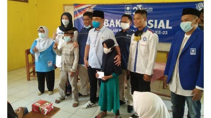 Di Tengah Pandemi, Desy Ratnasari Beri Bantuan dan Semangati Anak Yatim Piatu di Indramayu
