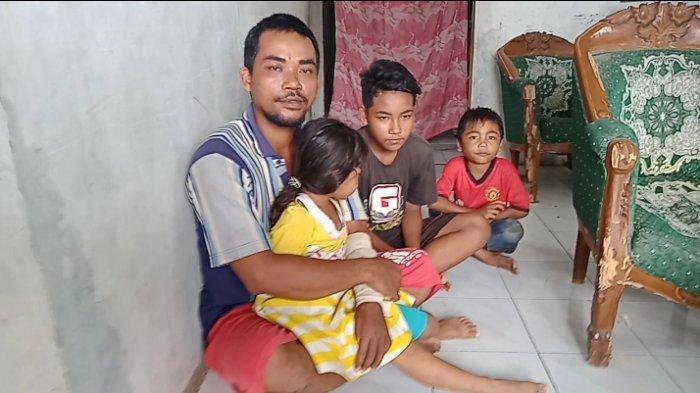Kisah Lili Hambali, Difabel di Pangandaran yang Ditinggal Istri dan Kini Harus Merawat 4 Anaknya