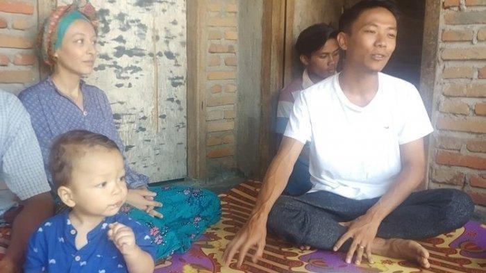 Kisah Melissa, Bule Prancis Menikah dengan Pria Lombok, Jatuh Cinta Lihat Indra Panjat Pohon Kelapa