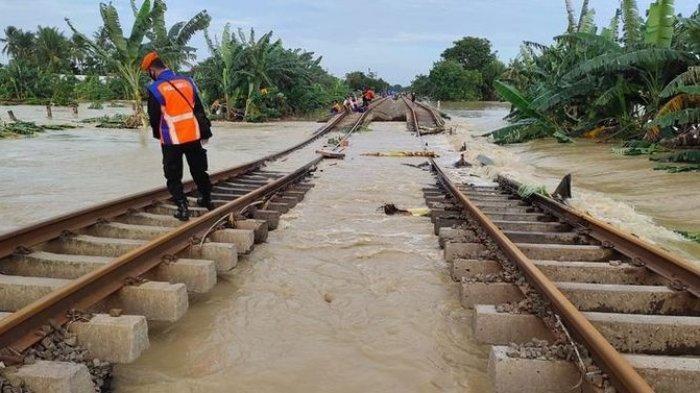 Buntut Banjir, Jalur Kereta di Stasiun Kedunggedeh - Stasiun Lemah Abang Terendam, Masih Diperbaiki
