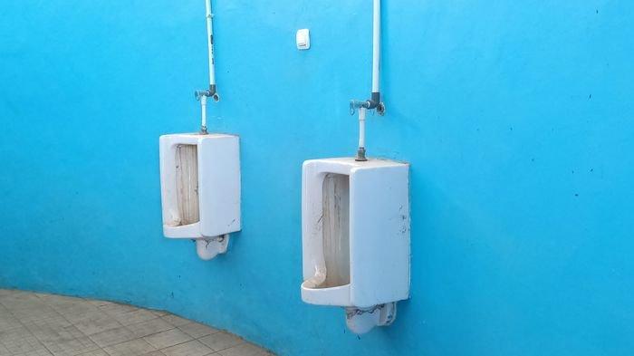Toilet di Sport Center Indramayu, Baunya Menyengat Walau Pakai Masker, Dispora Katakan Ini