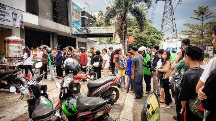 Coffee Shop Kopi Senyum Buka Geria Ke-4 di Bandung, Adakan Bagi-bagi Gratis Satu Toren Es Kopi