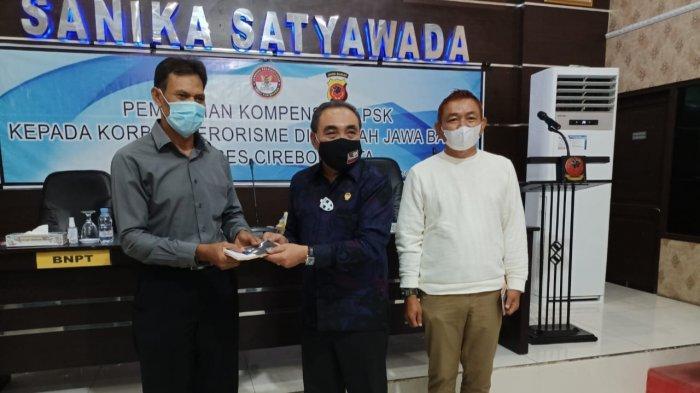 Terkena Ledakan Bom di Masjid Ad-Dzikro Cirebon Pada 2011, Korban Terima Santunan Hari Ini
