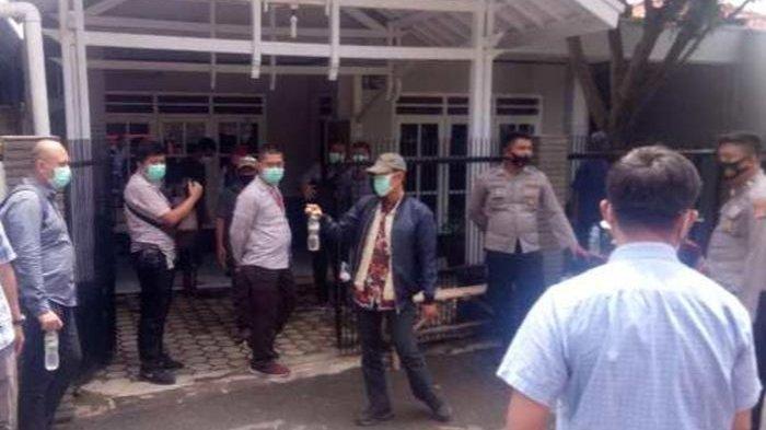 KPK Geledah Rumah Abdul Rozaq Muslim di Indramayu, Tersangka Kasus Suap, Bawa Sejumlah Berkas