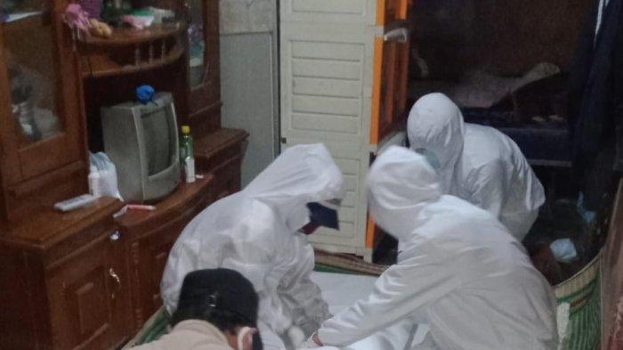 Jenazah Covid-19 di Lembang Dibungkus Plastik karena Bandung Barat Mulai Krisis Kantong Jenazah