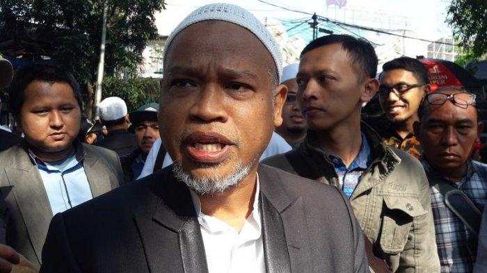 Habib Bahar bin Smith Siap Hadapi Vonis Hari Ini, Pendukung Padati Pelataran Gedung Tempat Sidang