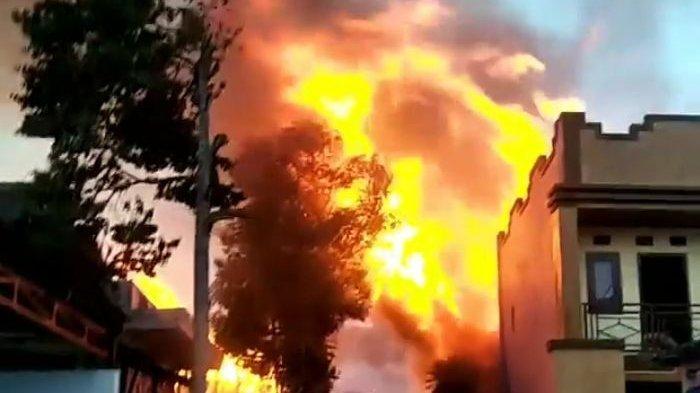 Si Jago Merah Lalap 15 Bangunan Tempat Budidaya Jamur di Cisarua, Tak Ada Korban Jiwa