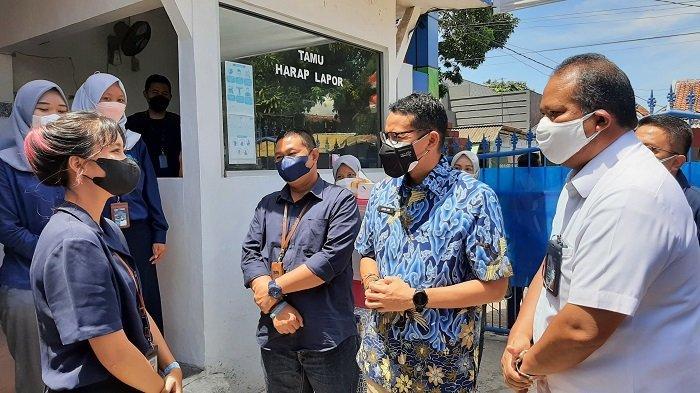 Mas Menteri Sandiaga Uno Berbalas Pantun dengan Gadis Cantik Cirebon dalam Kujungan Kerjanya