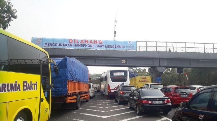 Kecelakaan Beruntun di Tol Cipularang Km 91, Mobil Arah Jakarta Keluar GT Cikamuning Masuk Jatiluhur
