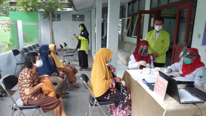 Program Gelis, Pelayanan Kesehatan dan Vaksin Gratis Untuk Lansia di Indramayu