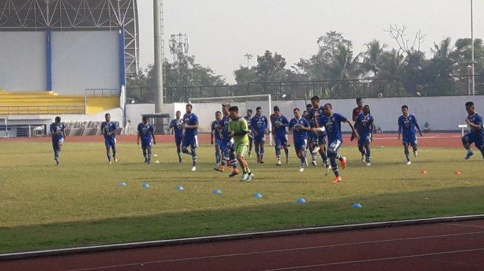 SEDANG Berlangsung Latihan Perdana Persib Bandung di Stadion GBLA, Tanpa Satu Pun Pemain Asing