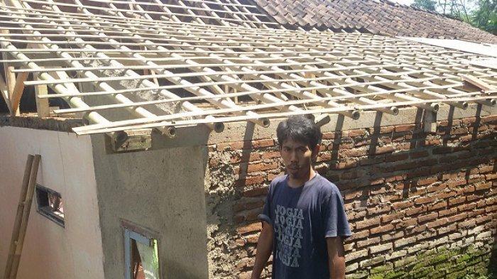 Rumah Hancur Disambar Petir Sebelum Waktu Buka Puasa, Keluarga Luka-luka Terkena Pecahan Kaca