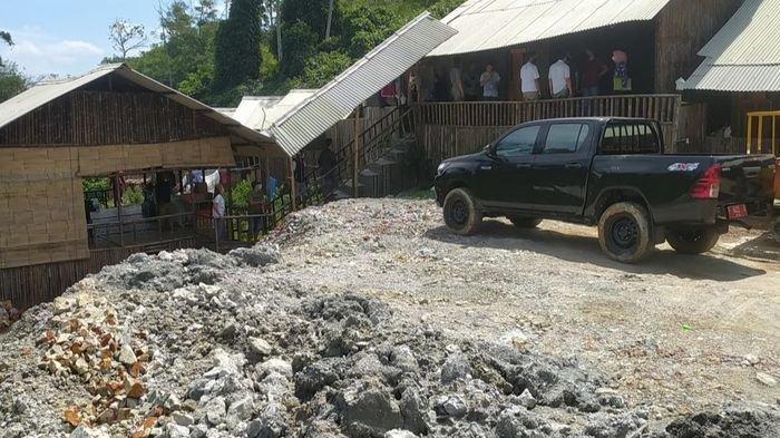 Tinggal di Hunian Mewah di Tempat Pertambangan, 5 WNA  Asal China dan Malaysia Ditangkap Petugas
