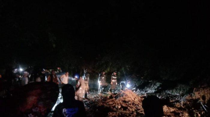 Akses Jalan Cikijing-Kuningan Lumpuh Total, Material Longsor Tutup Badan Jalan di Majalengka