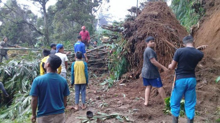 Musim Hujan Baru Mulai, Longsor Sudah Menerjang Kabupaten Sukabumi, Putus Akses  Babakan & Ciaul