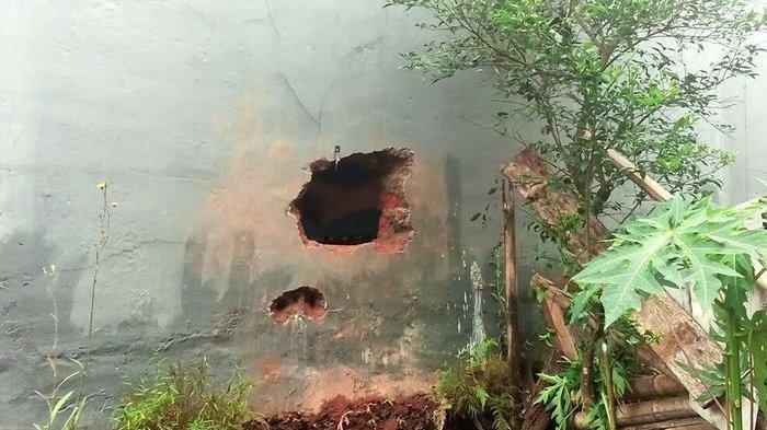 Maling Lubangi Tembok Minimarket dan Gondol Uang Puluhan Juta Rupiah di Sukabumi