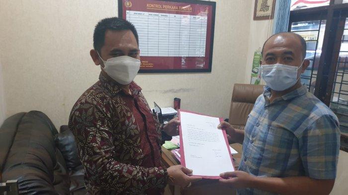 Lucky Hakim melalui juru bicaranya saat menyerahkan surat tertulis soal pelaporan pencatutan namanya untuk penipuan, Jumat (3/9/2021).